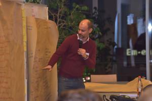"""Europakandidat Matthias Dornhuber präsentiert die Ergebnisse der Gruppe """"Wir in der Welt"""""""